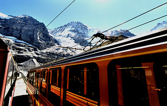 F23-2-Cog-Railway-to-Top-of-Europe-copy.jpg